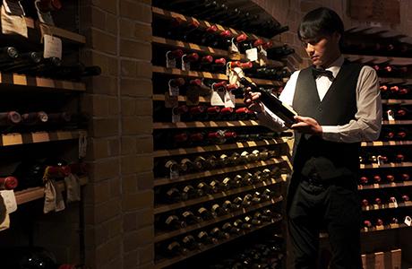 煉瓦造りの本格的ワインセラー