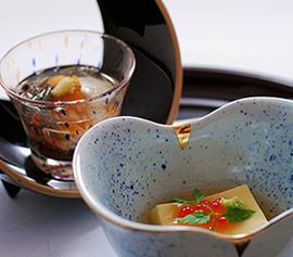 【当館人気No.1】旬の味覚の創作会席料理フルコースを味わう休日